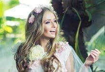 Top 20: Flower Hairstyles & Wedding Bride Hairstyles (2021)