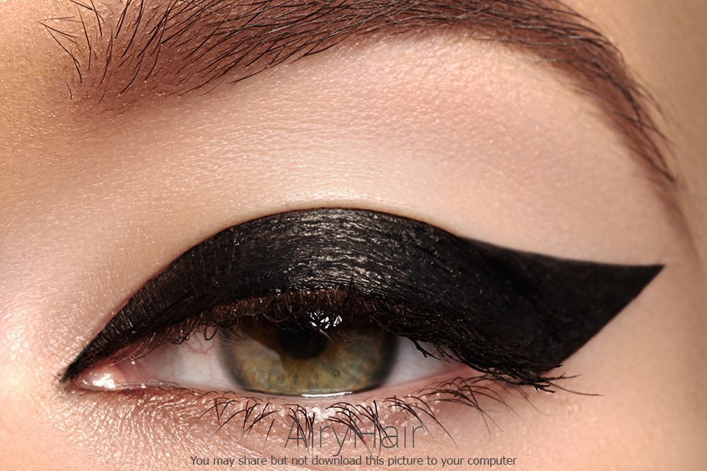 10 Mind Blowing Eye Liner / Eye Shadows Make Up Style Examples