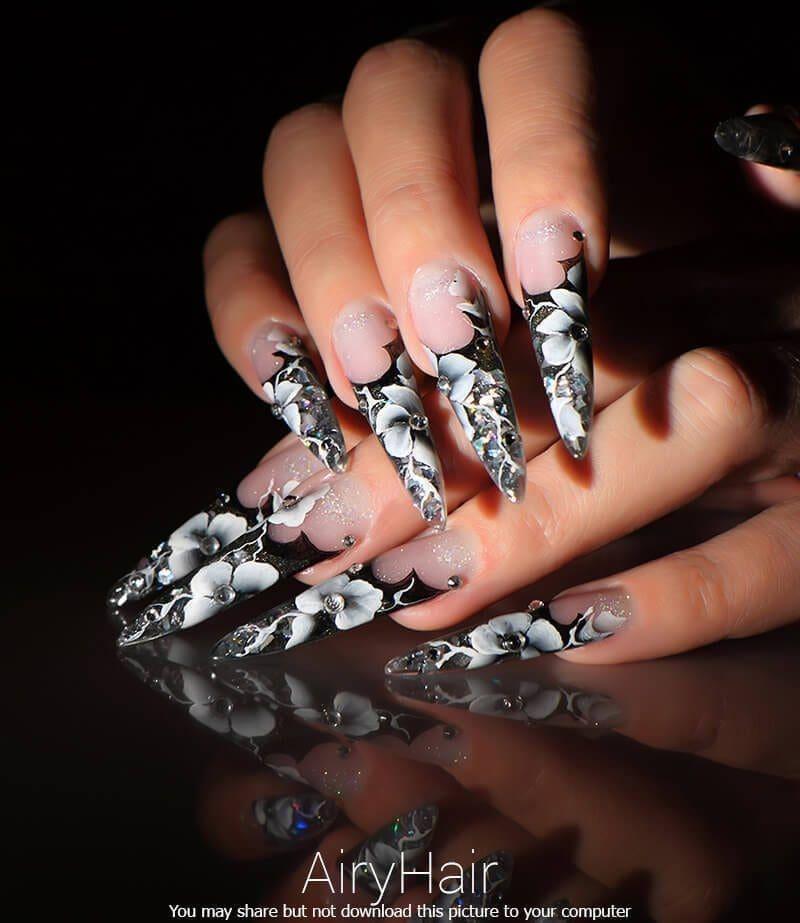 Super long manicure art