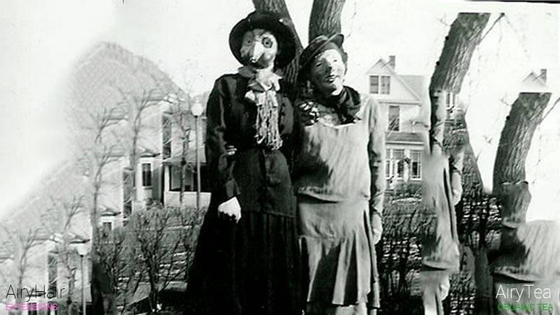 Creepy lovers, a Halloween costume