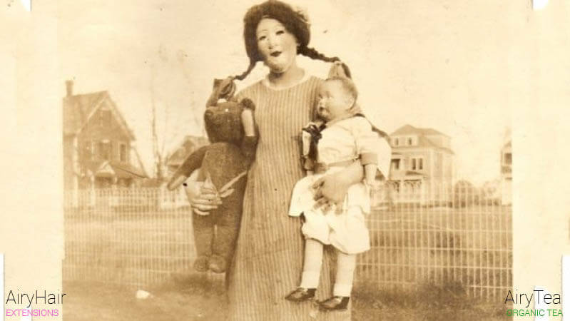Creepy mother and daughter Halloween costume