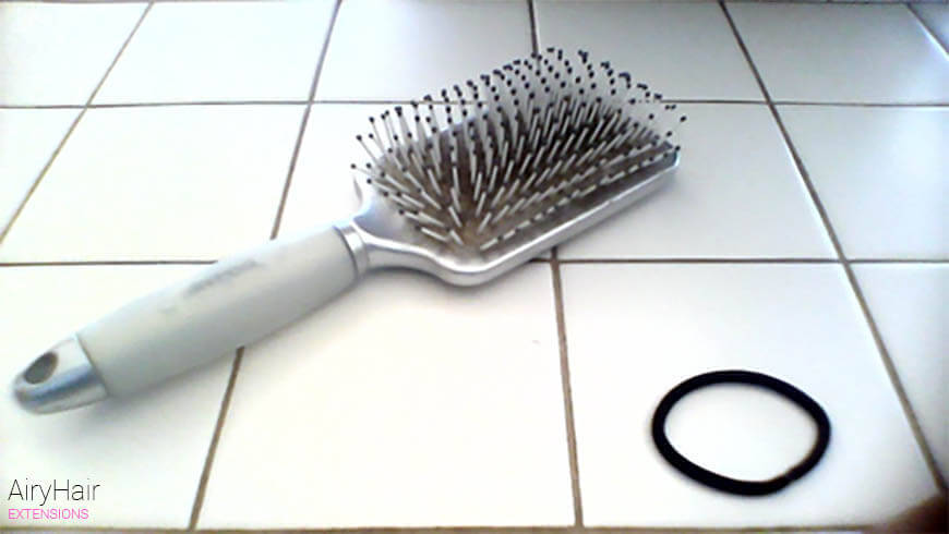 Hairbrush and 1 Large Hair Tie