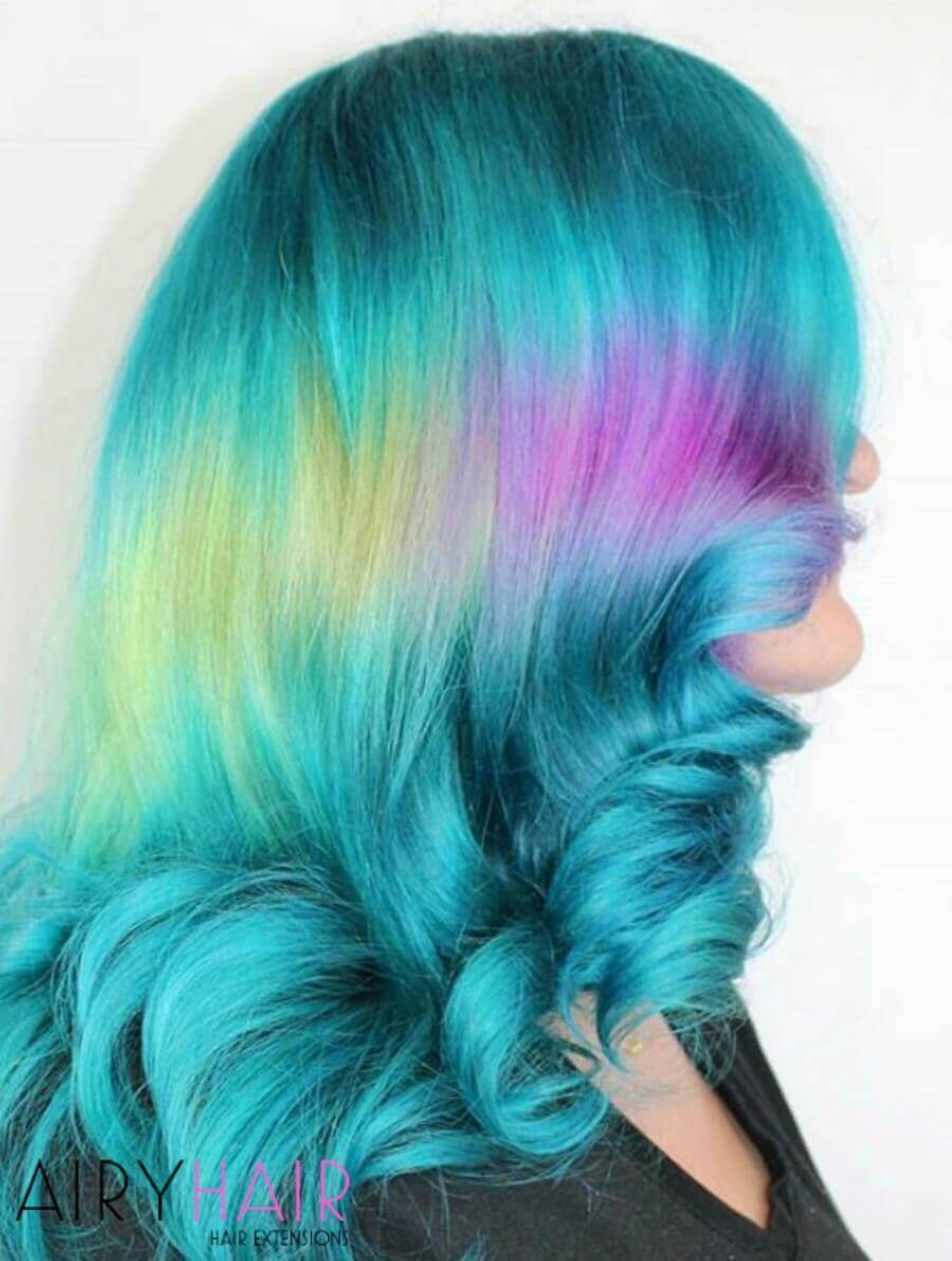 Shine Line on Turquoise Hair