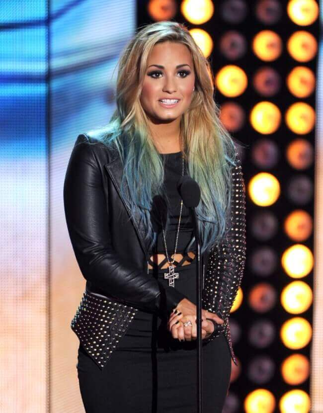 Demi Lovato with Hair Extensions
