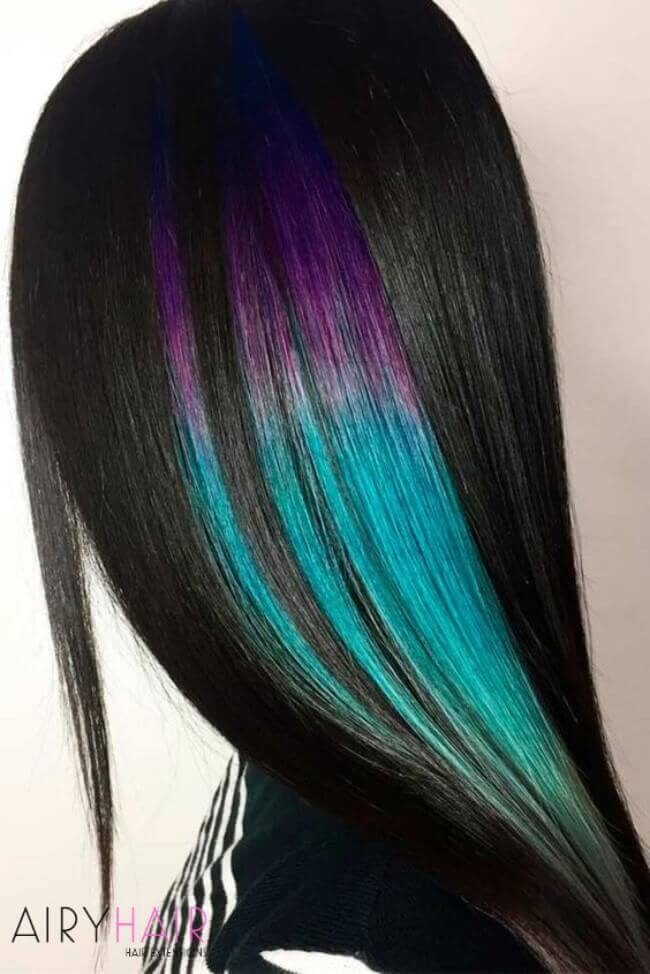 Hairstyle with color highlights